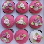 Pink_flowers_cup_cakes