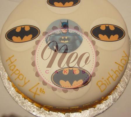 batman_logo_cake