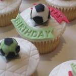 birthday_football_cup_cakes
