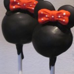 minnie_mouse_pop_cake