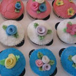 mixed_flowers_cup_cakes