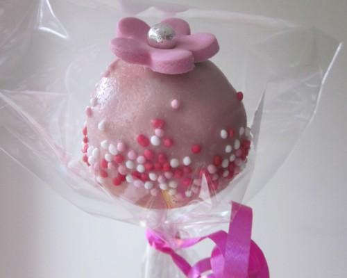 pink_sprinkles_with_flower