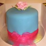 plain_rose_cake